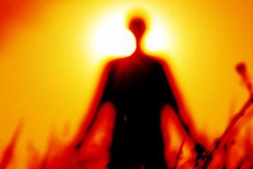Sentir a presença de espíritos enquanto dorme